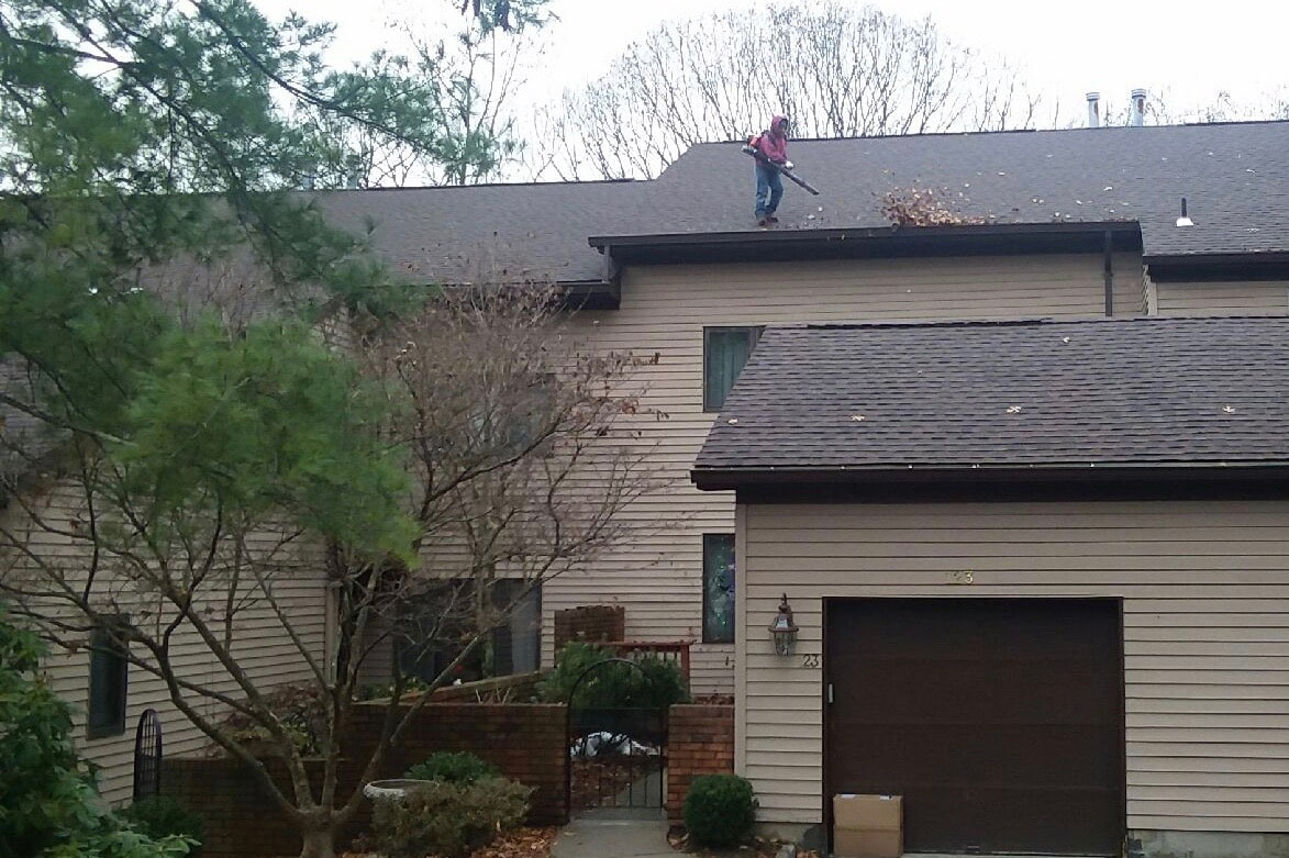 Mahwah Condo Gutter Cleaning (1)