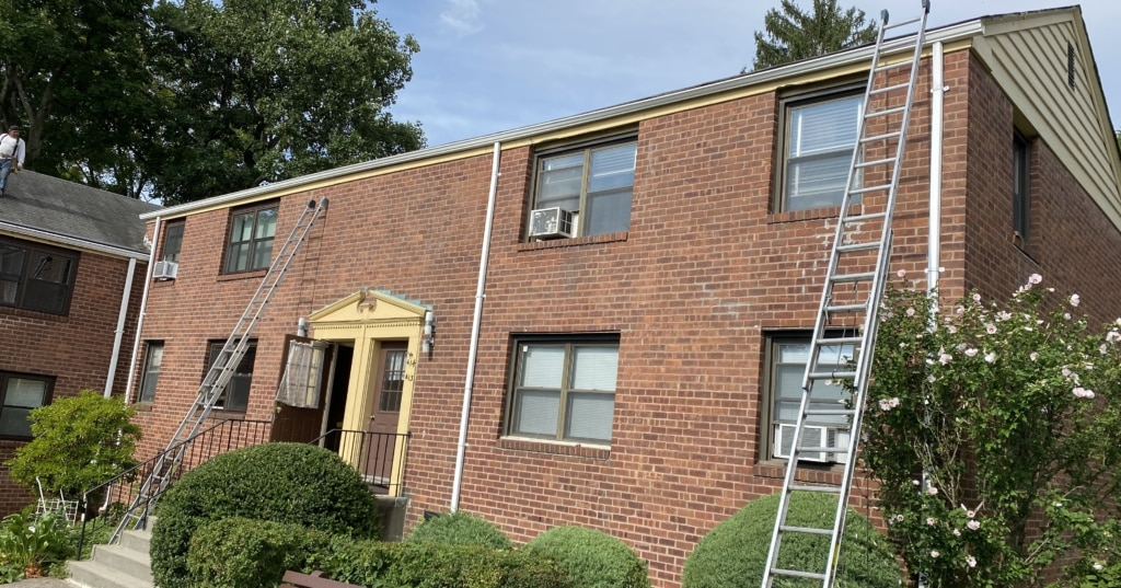 gutter replacement on an apartment building in rockland county ny