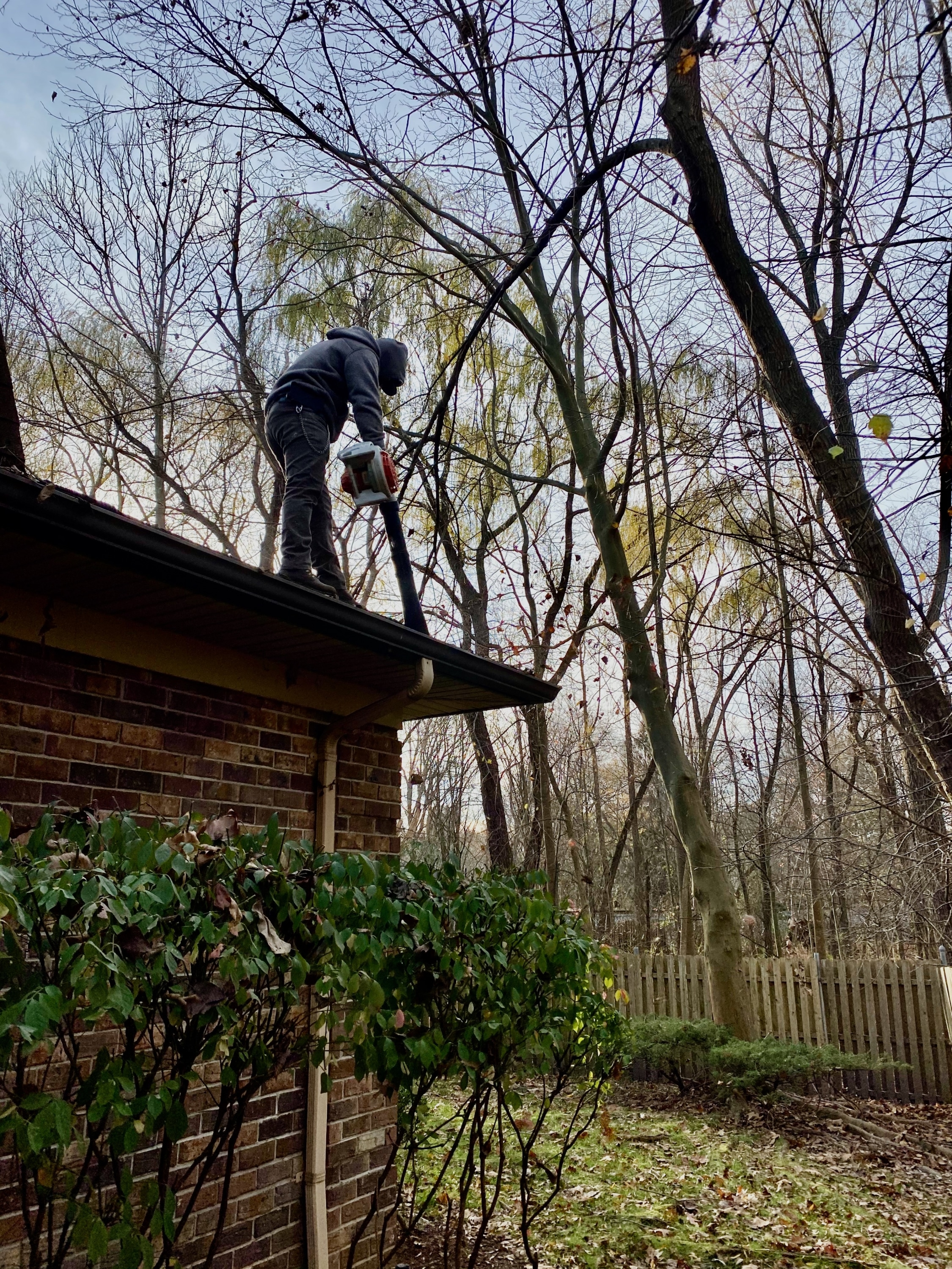 gutter cleaning in ramsey nj by superior seamless gutters